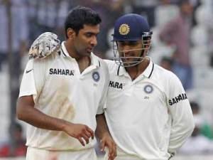 Dhoni-Ashwin-Reuters